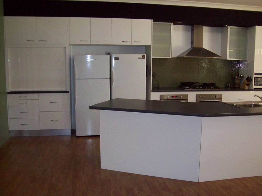 Contact a1 quality kitchens a1 quality kitchens caboolture for Quality kitchens